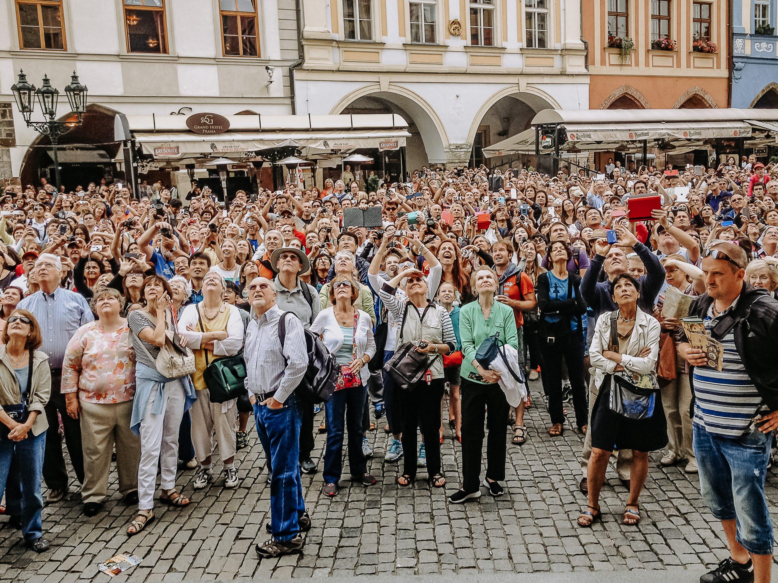 Praga, Waiting for the Clock, 2014